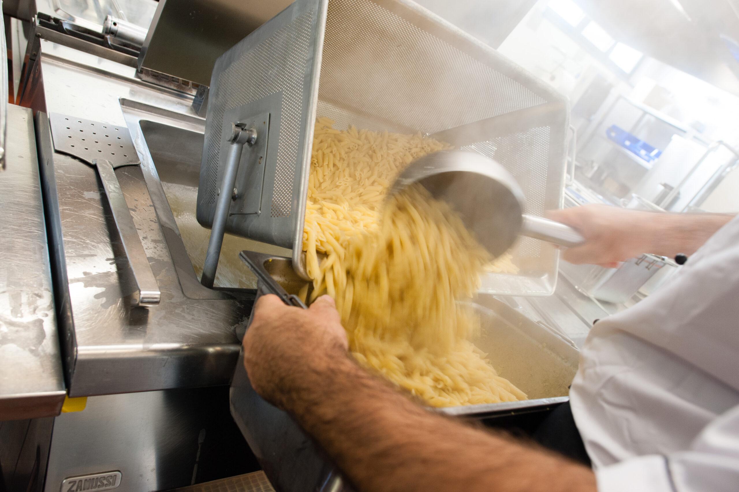 Donazioni di pasta e riso necessarie per OSF