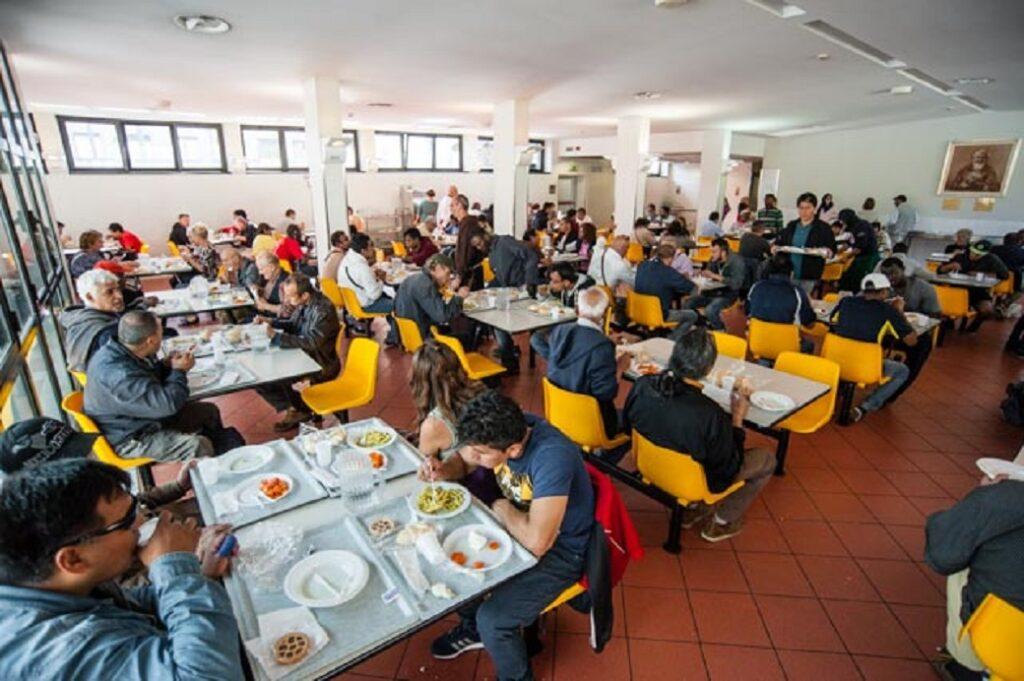 Povertà a Milano Mensa dei poveri
