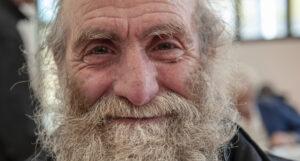 Ospite sorridente, sevizio sociale| OSF